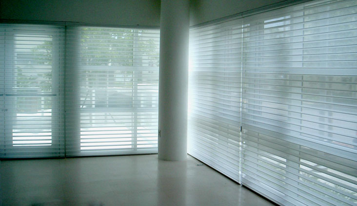 Vertical express motorized window shades silhouettes for Hunter douglas motorized vertical blinds
